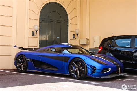 blue koenigsegg one 1 koenigsegg one 1 24 april 2016 autogespot