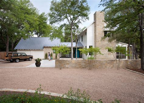 modern farmhouse exterior farmhouse with gravel driveway modern farm house farmhouse exterior austin by tim