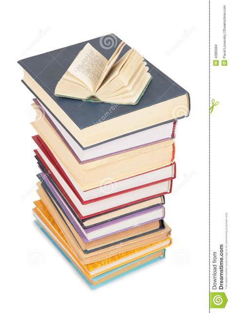 book of big advice for an easier books pilha grande de livros e de livro pequeno aberto imagens