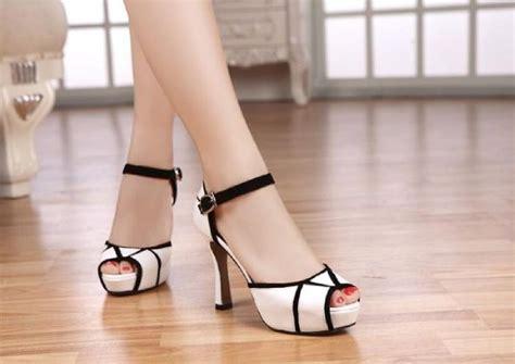 Sepatu Wedges Wanita Warna Putih high heels sepatu sandal wanita murah warna putih