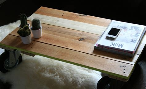 Vernir Une Table En Bois Brut by Table Bois Vernir Wraste