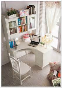 Corner Bedroom Desk 25 Best Ideas About Small Corner Desk On Desk Nook Bedroom Study Area And White
