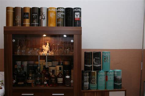 whisky schrank whisky schrank wein whisky vitrine holz wein schaufenster