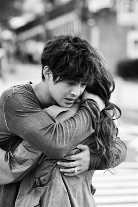 couple wallpaper black and white sweet black and white romance wallpaper of love couples