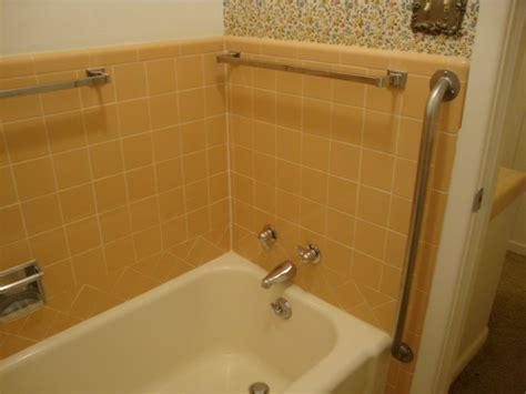 help peach brown bathroom tile 301 moved permanently