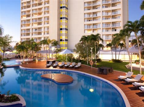 appartment holidays pullman cairns international accommodation