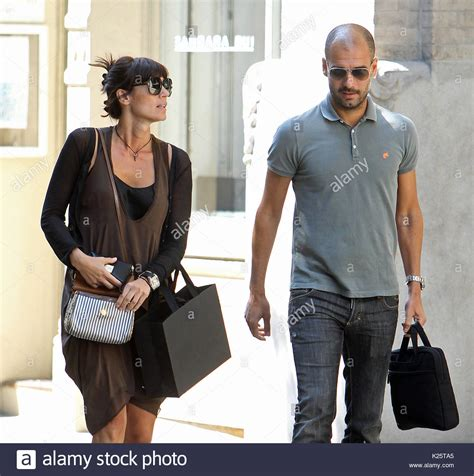 sala wife guardiola and wife cristina serra stock photos guardiola