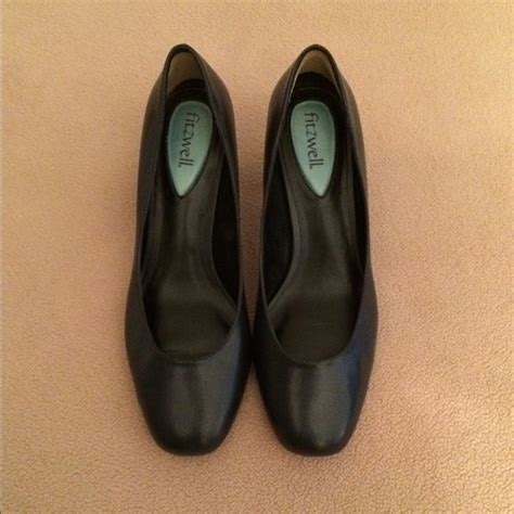 fitzwell shoes 58 fitzwell shoes fitzwell navy pumps from