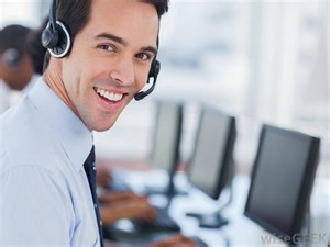 what is a desktop support specialist with pictures