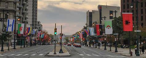 ben franklin parkway  philadelphia flags