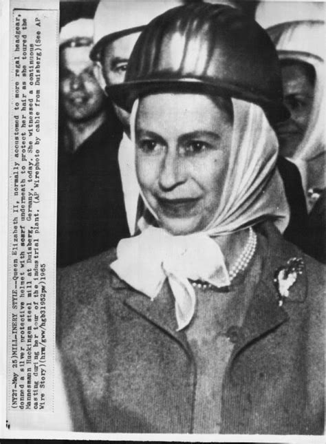 queen elizabeth biography in hindi 17 best images about celebrity hijab on pinterest kim