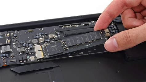 Mba Ssd Speed by Why Ssds Are Transitioning From Sata To Pcie In The Next