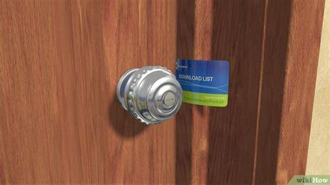 come aprire una porta chiusa senza chiave come forzare una porta chiusa 11 passaggi illustrato