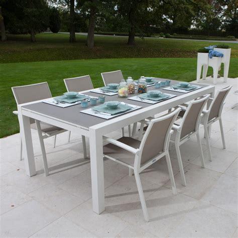 Table Extensible Alu Blanc Et Verre Gris 220 330x106 Cm Murray Table Et Chaise De Jardin En Aluminium Pas Cher