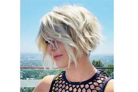 julianne hough growing out pixie julianne hough s textured bob growing out a pixie can be