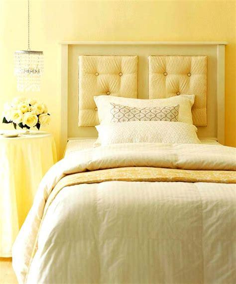 simple headboard ideas желтый цвет в спальне