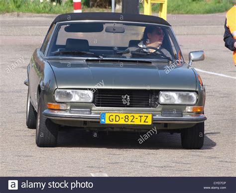 kereta bmw biru 100 peugeot 504 coupe peugeot 504 coupe 1979 39500