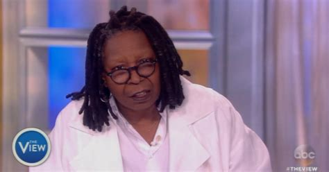 why did whoopie goldberg shave the side of her head did whopi goldberg shave her head did whopi goldberg shave