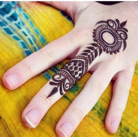 tattoo down finger simple hand henna tattoo allowing beginner tattoo could