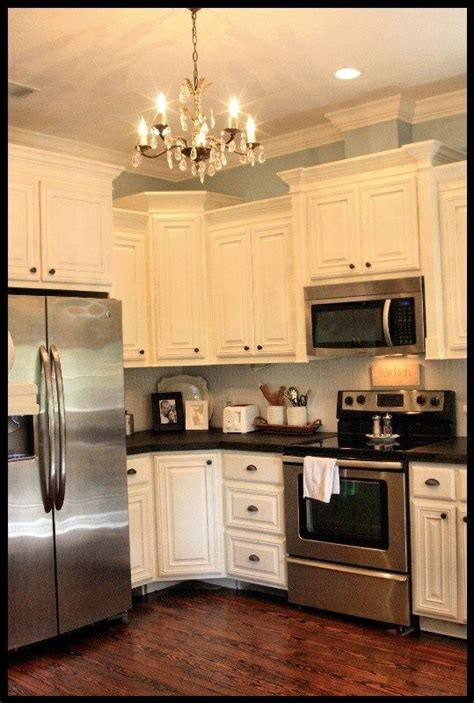 crown molding for kitchen cabinet tops 25 best ideas about bead board cabinets on pinterest