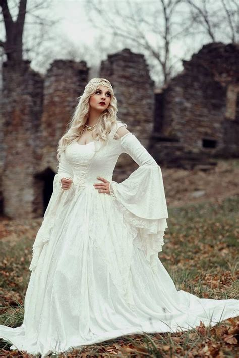 Medieval Wedding Dresses   ShenandoahWeddings.us