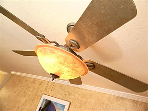 How To Paint A Ceiling Fan by How To Paint A Ceiling Fan How Tos Diy