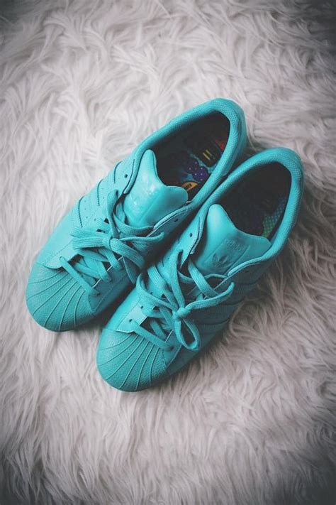 Sepatu Original Adidas Pharrell William how about these shell toes pharrell williams x adidas