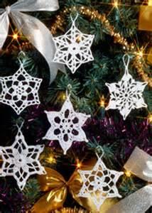 Crochet pattern and photo credit to coatscrafts co uk
