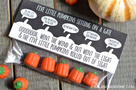 Five Pumpkins Sitting On A Gate Printable five pumpkins sitting on a gate printable