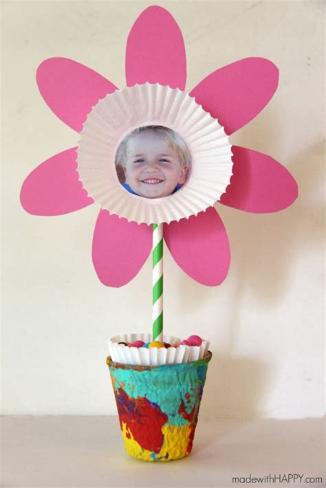 Paper Flower Craft For Children - 20 and easy flower crafts for to make this