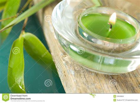 imágenes de velas verdes encendidas vela encendida verde im 225 genes de archivo libres de