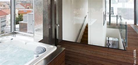 sauna für zu hause swim spa bei nacht whirlpool zu hause de