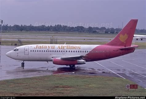 Air Jakarta pk lia jatayu airlines boeing 737 200 at jakarta