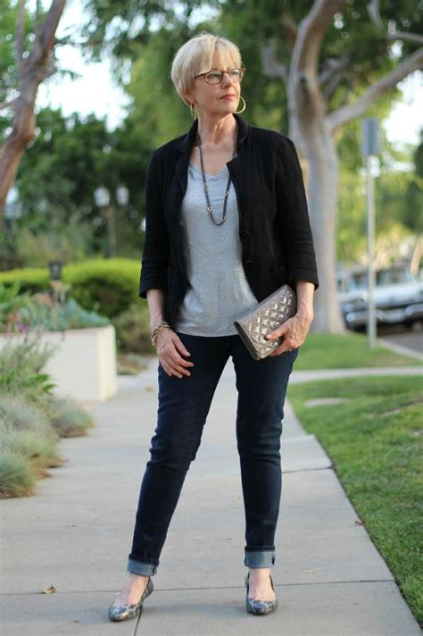 dressing style at the age of 44 for ladies style advice for women over 50