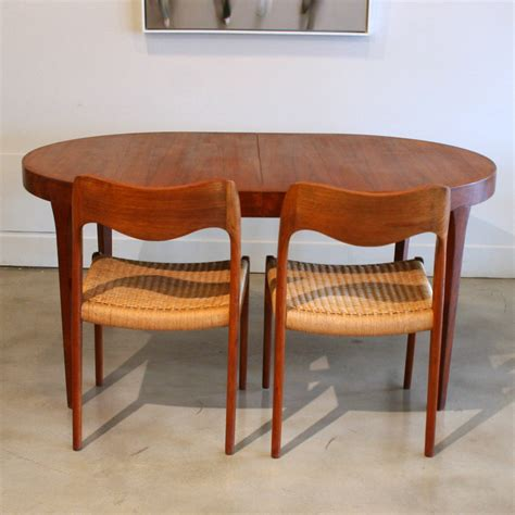 How To Refinish Teak Dining Table Brokeasshome Com Refinishing Teak Dining Table