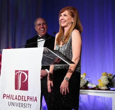 stephen miller philadelphia fashion designer nicole miller presented with 2013 spirit