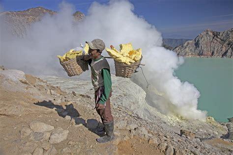 edmodo wikipedia indonesia indonesia mount ijen sulfur miners lessons tes teach