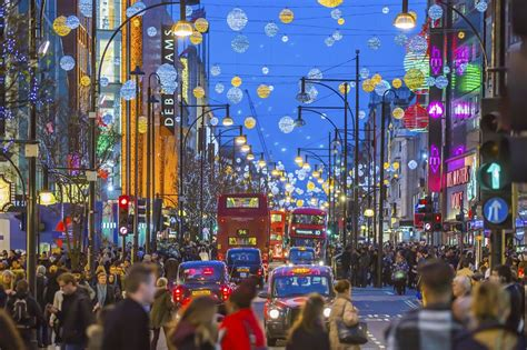when do christmas lights go up in london