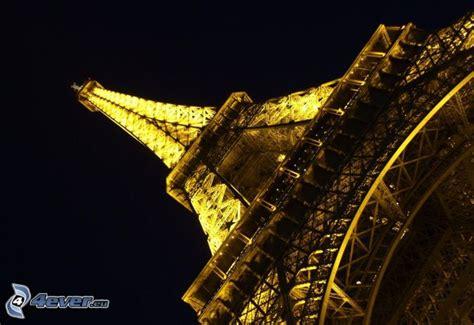 torre eiffel illuminata torre eiffel illuminata
