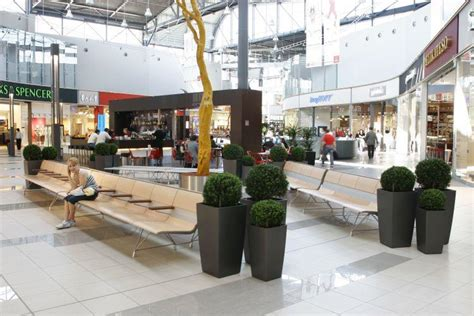 bench shopping environments 187 waiting areas 187 shopping centers sellex