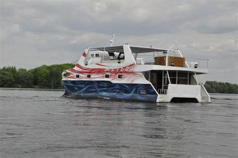 engine for catamaran yacht for sale gt motor yacht diving catamaran 171 meteor 187 for