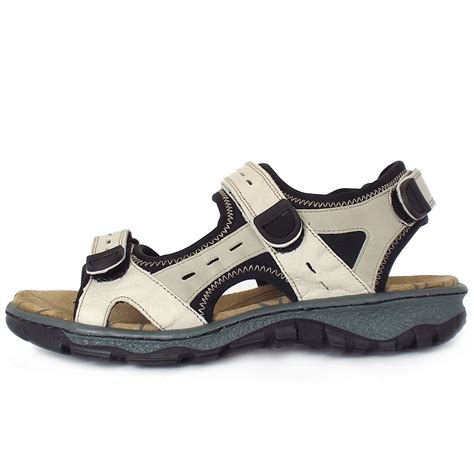 best sandals for trekking best hiking sandals womens 28 images arpenaz spartan