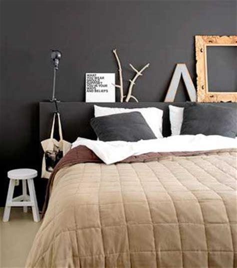 deco chambre tete de lit chambre d 233 co arty avec t 234 te de lit et mur chocolat