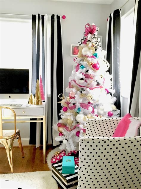 dramatic hot pink black white teen bedroom decorating a teen room for christmas black white gold