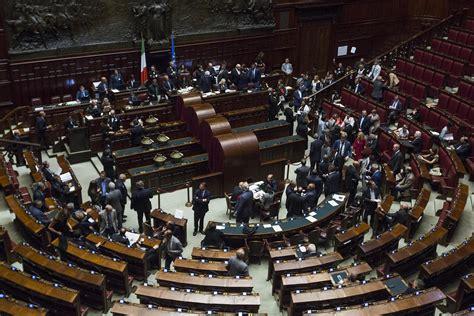stipendi dipendenti e senato da e senato via libera al taglio degli stipendi dei