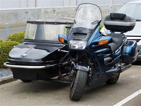 Honda Motorrad Tuning österreich by Honda Motorrad Der 214 Sterr Polizei Eskortiert Bei