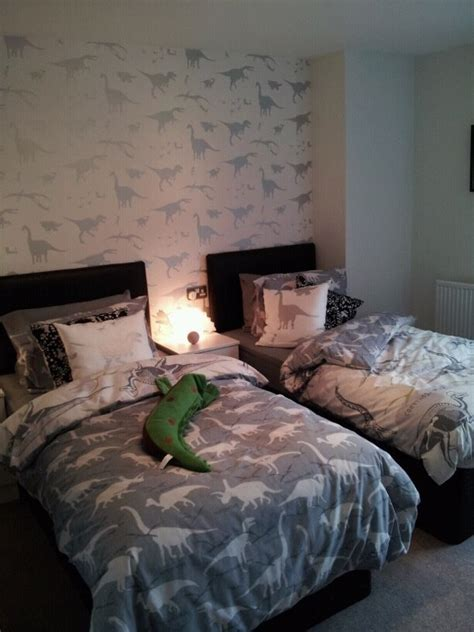 Dinosaur Themed Bedroom by Dinosaur Themed Bedroom Room Ideas