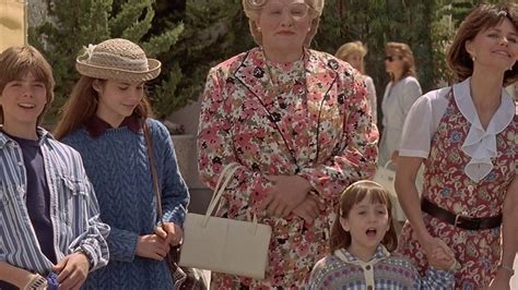Watch Mrs Doubtfire 1993 Mrs Doubtfire 1993 Movie Hd Youtube