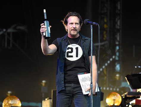 best pearl jam songs the 10 best pearl jam songs stereogum upcomingcarshq