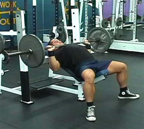 incline bench press exercise building the middle and upper chest exercises